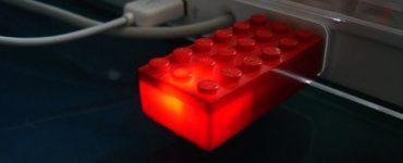 Самодельный корпус для флешки из конструктора лего