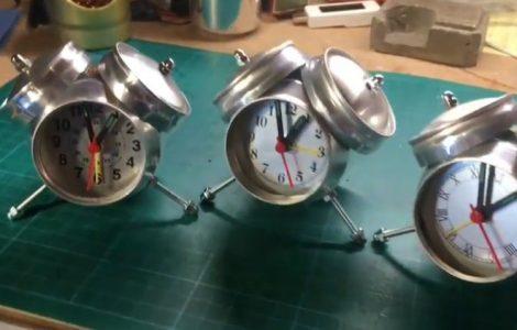 Часы из алюминиевых банок