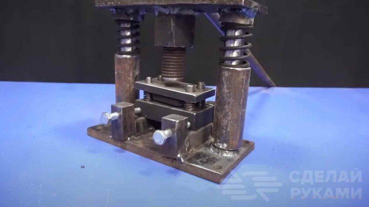 Как сделать станок с пробивным штампом