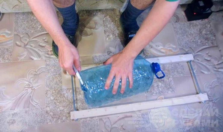 Приспособление для изготовления листов из пластиковых бутылок