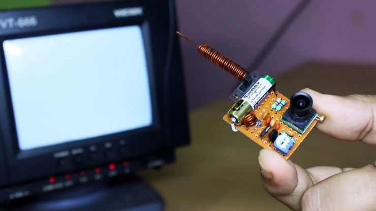 Как сделать передатчик для мини камеры чтобы принимать сигнал на любом телевизоре