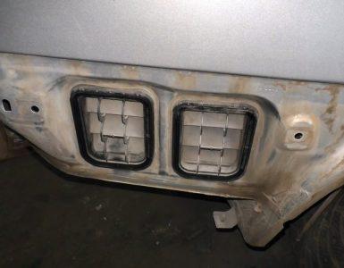 Испробовано все, но стекла в машине продолжают потеть? Проверьте вентиляционные клапаны